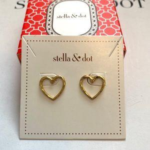 Stella & Dot Essential Hammered Heart Studs